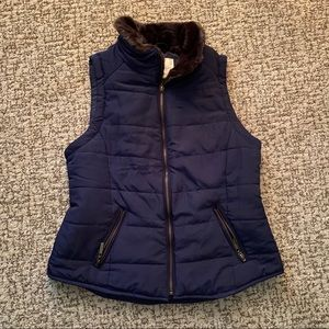 Navy blue vest with fur lining